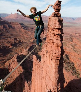 Gibbon-Slacklines-Andy-Lewis-Trickline-highlining-gran-canyon-sketchy-andy