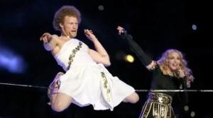 Gibbon-Slacklines-Andy-Lewis-Trickline-superbowl-show-madonna