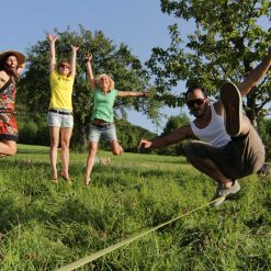 Gibbon-slackline-Classic-Line-X13-girls-happy-party