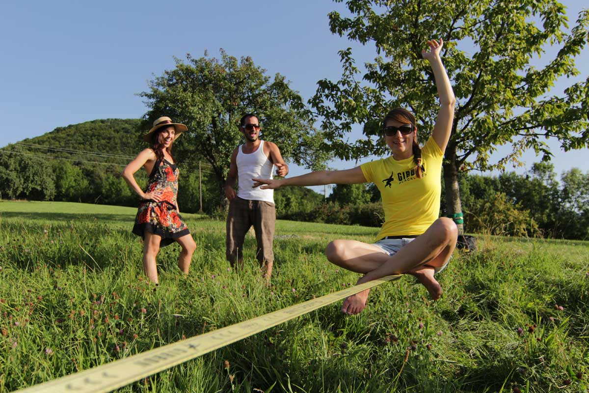 how to make a slackline with carabiners