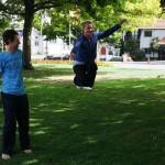 drop-knee-slackline-trick-christchurch-new-zealand