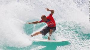 kelly-slater-surfing-slacklining