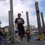 slackline-ball-juggle