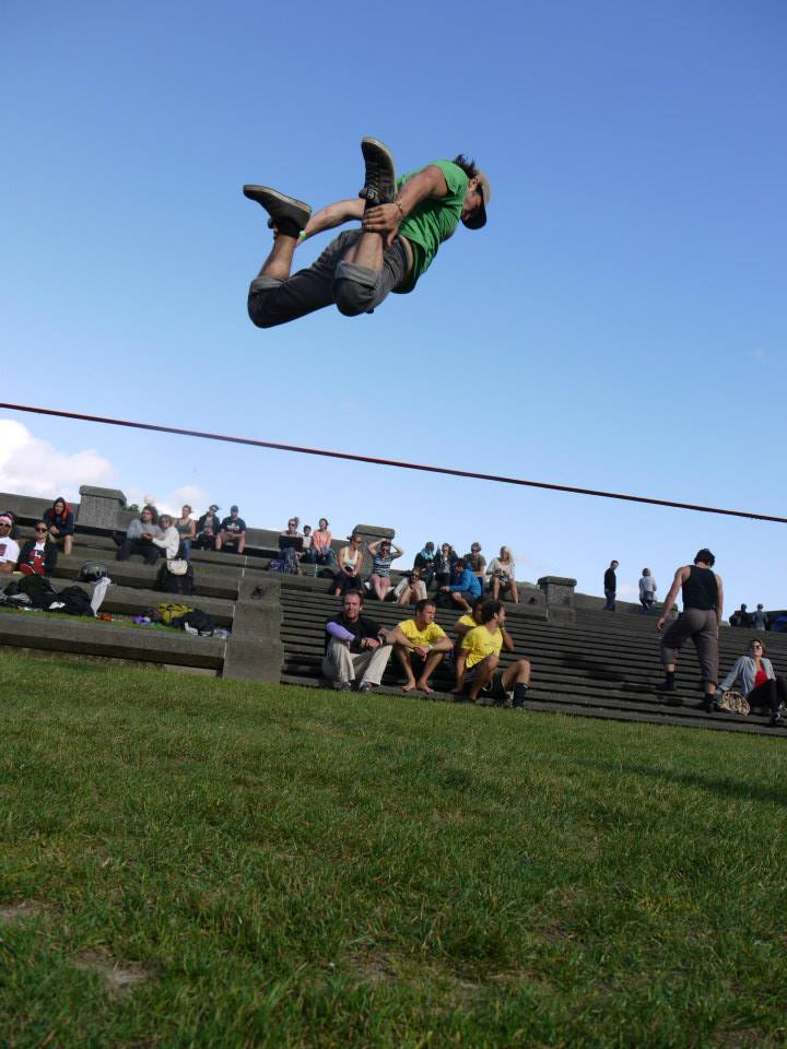 slackline-flying-trick