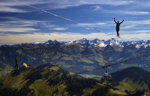 slackline-highline-world-record-cable-cars-alps-mountain-longline-new-zealand
