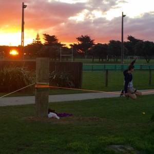 slackline-sunset-session-slackline-park-new-zealand