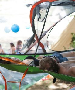 slackline-tree-tent-party-chill-out-new-zealand