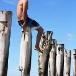 slacklining-fun-beach-dunedin-new-zealand
