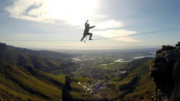 slacklining-heights-highlining-new-zealand