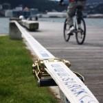 slacklining-on-the-pier-wellington-new-zealand
