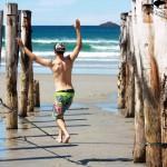 slacklining-the-beach-new-zealand