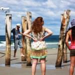 watch-slacklining-on-the-beach